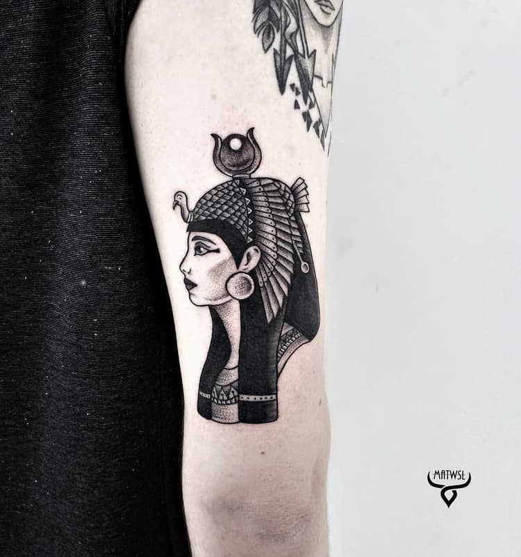 Blackwork Goddess Isis Tattoo by matwsl