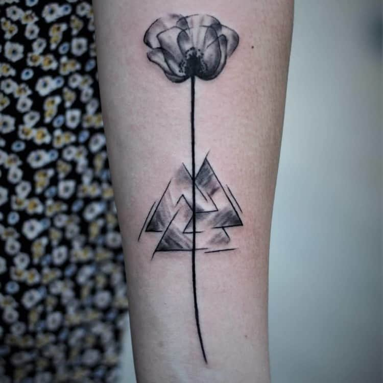 Poppy Tattoo by ypso.tattoo