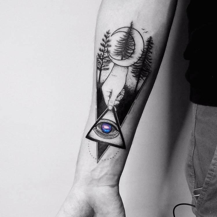 Blackwork Graphic Tattoo Design by Vitaly Kazantsev