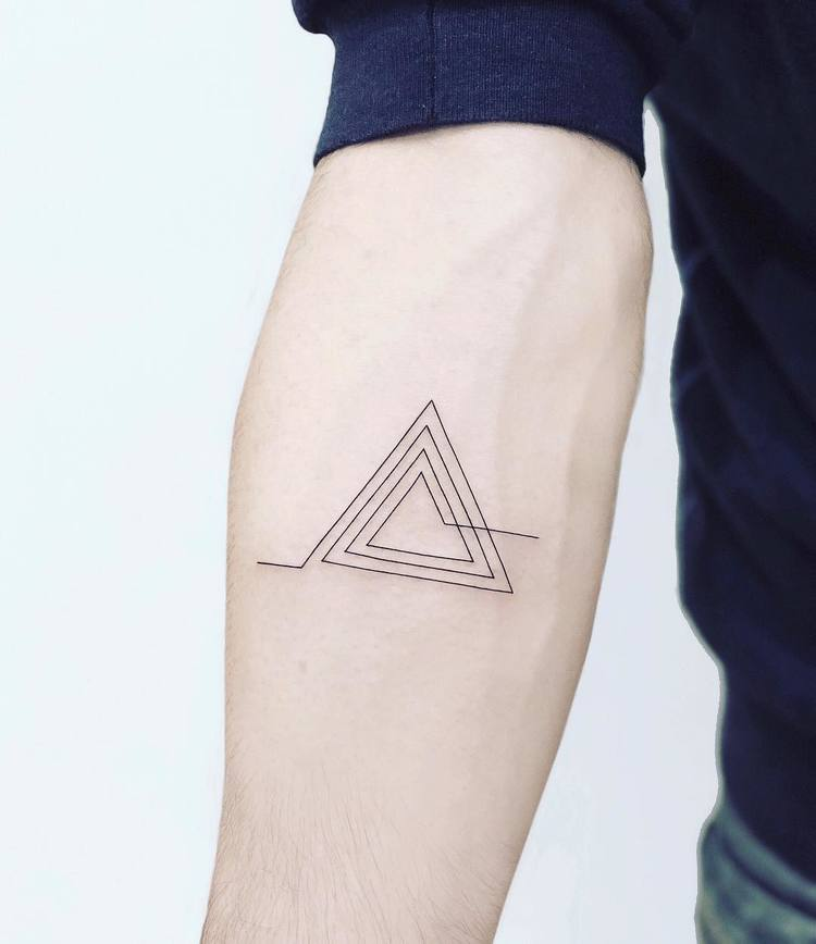 30 Minimalist Geometric Tattoos by Laura Martinez